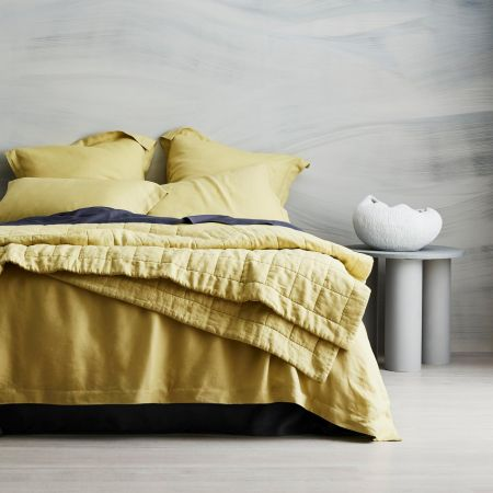 Abbotson Linen Bed Cover in chartreuse