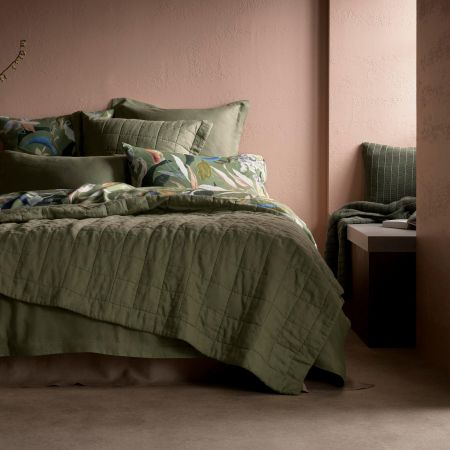 Abbotson Linen Bed Cover in fern