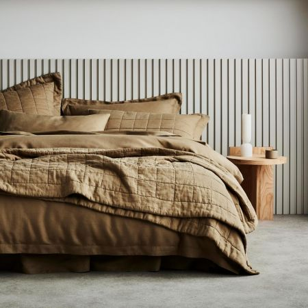 Abbotson Linen Bed Cover in Cumin