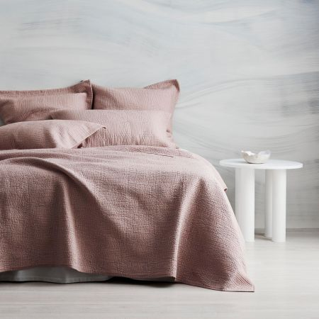 Beechwood Bed Cover in smokey rose