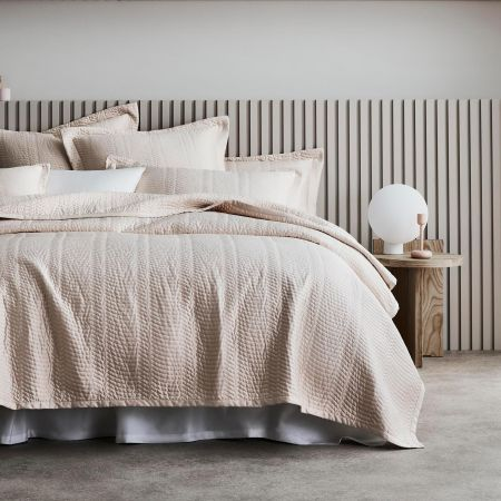 Mayberry Bed Cover in Champagne