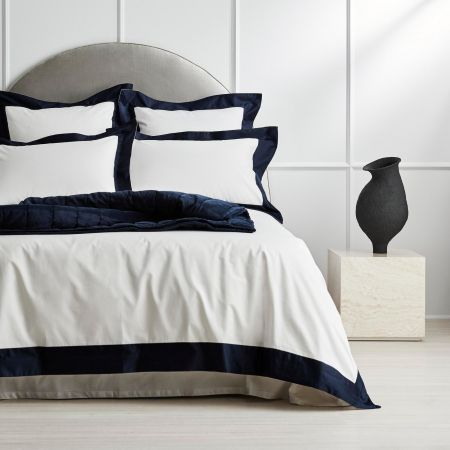 1200tc Estrel Quilt Cover in midnight