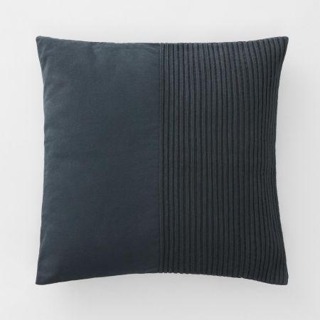 Novello Cushion in Carbon