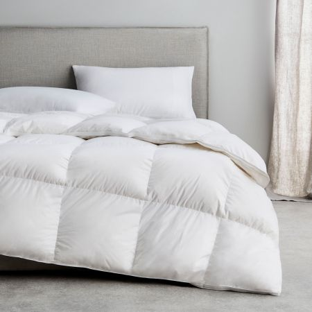 Sheridan Pure Indulgence 85/15 Goose Down & Feather Quilt Snow