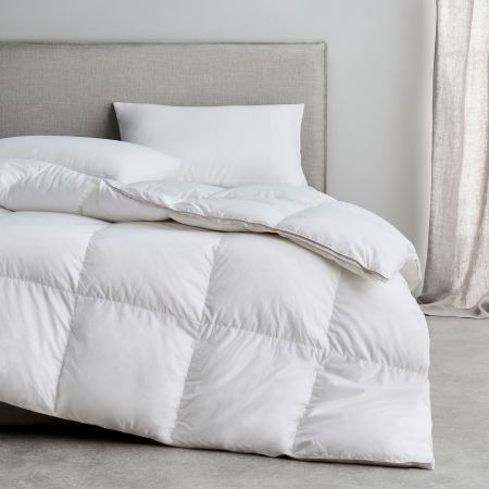 Sheridan Pure Indulgence 95/5 Goose Down & Feather Quilt Snow