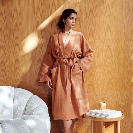 Abbotson Linen Robe in Maple