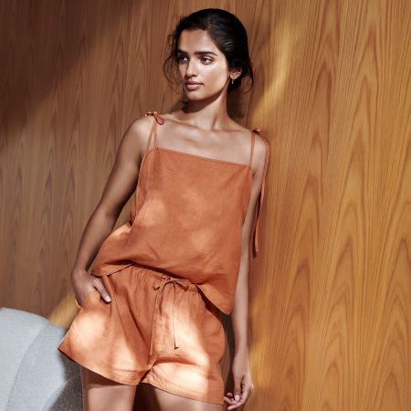 Abbotson Linen Womens Shorts in Maple