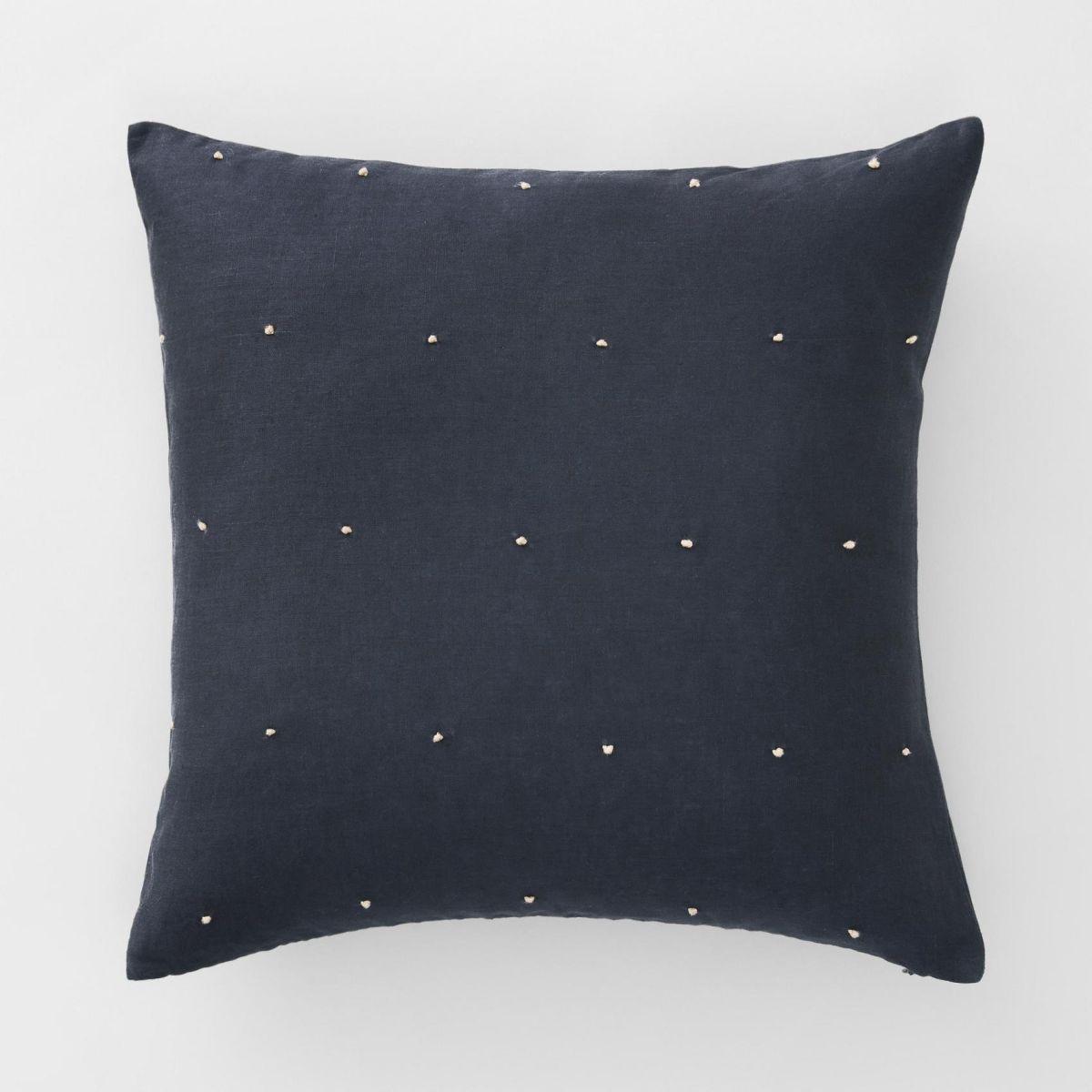 Maner Cushion